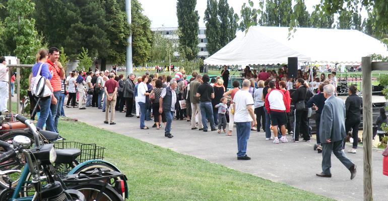 Chaque année, plusieurs milliers de personnes se rendent au forum des associations à Aulnay-sous-Bois, où plus de 150 associations sont représentées. | (C) 93600INFOS / Alexandre Conan