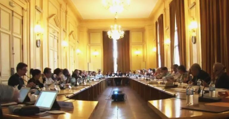 53 élus se rassemblent autour de la table du conseil municipal sur convocation du Maire d'Aulnay-sous-Bois. | (C) Mairie d'Aulnay-sous-Bois