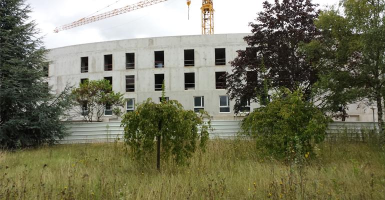 Le chantier de l'EHPAD a commencé en décembre 2013 sur le terrain de l'ancien centre Bigottini. | (C) 93600INFOS / Alexandre Conan