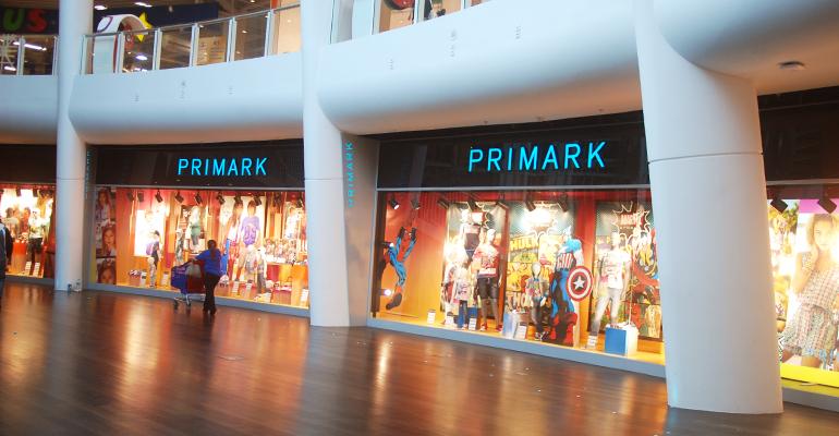 Avec ses prix cassés, Primark a boosté la fréquentation du centre commercial O'Parinor. | (C) Mademoiselle Julie