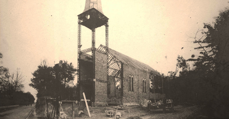 L'église Saint-Joseph en construction. | (C) Archives diocésaines de Saint-Denis en France