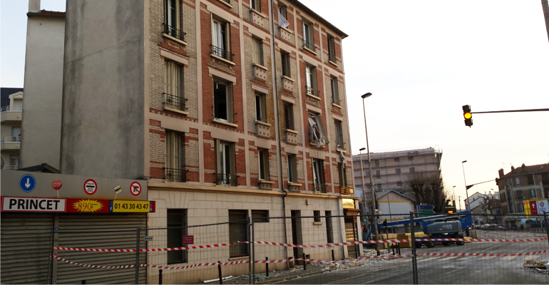L'explosion, qui n'a pourtant pas fait de victimes, a fortement fragilisé la structure de l'immeuble. | (C) 93600INFOS / Alexandre Conan