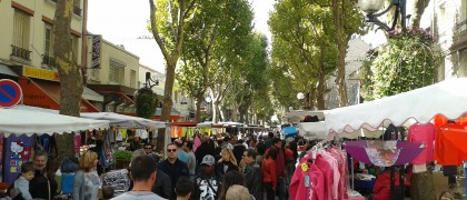 Des animateurs déambulaient tout le week-end dans les allées des marchés de la Ville pour distribuer des bons d'achat. | © 93600INFOS.fr/Alexandre Conan