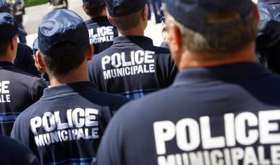 Depuis octobre 2014, la Police Municipale d'Aulnay-sous-Bois fonctionne 24h/24 et dispose d'un numéro vert: 0800 39 93 93. | © AFP PHOTO / SEBASTIEN NOGIER