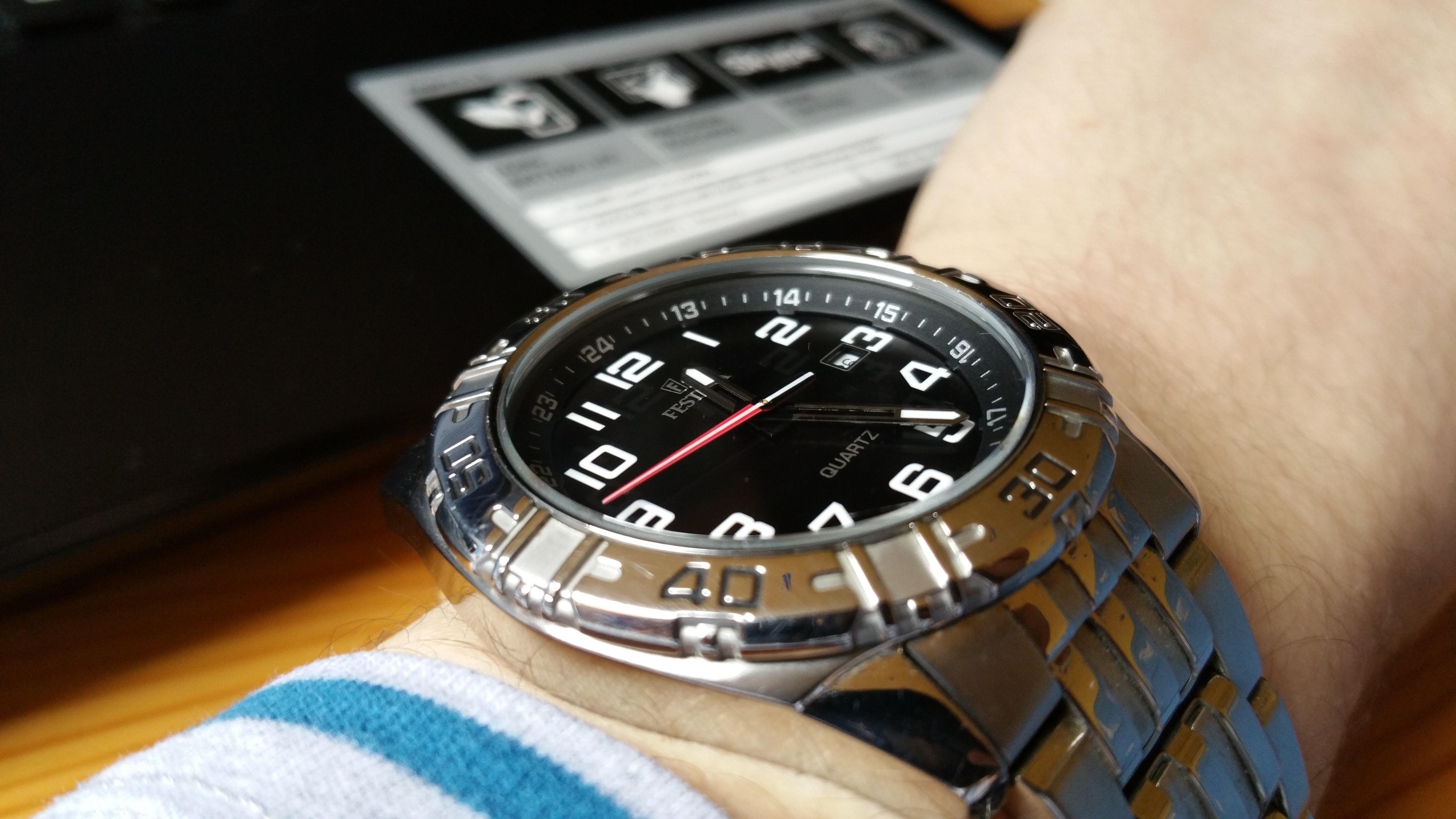 Si les smartphone changent d'heure tout seuls, ce n'est pas encore le cas de nos montres. | © Alexandre Conan / 93600INFOS.fr