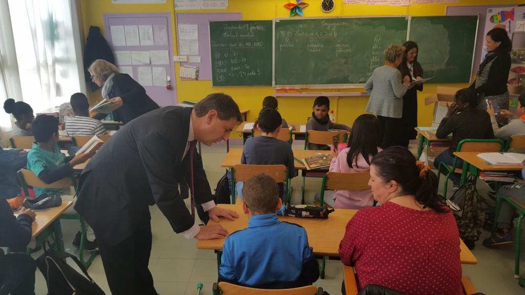 Le député (PS) Daniel Goldberg a offert plus de 3 000 livres aux écoles d'Aulnay-sous-Bois avec sa réserve parlementaire 2015. | © DR