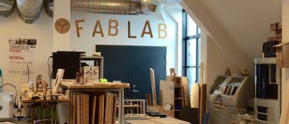 Un laboratoire de fabrication est un lieu ouvert où la population peut venir créer ou réparer ses objets.| Photo libre de Kristian Bang