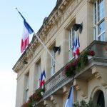 Attentat de Nice: une minute de silence observée demain à 12h devant la mairie