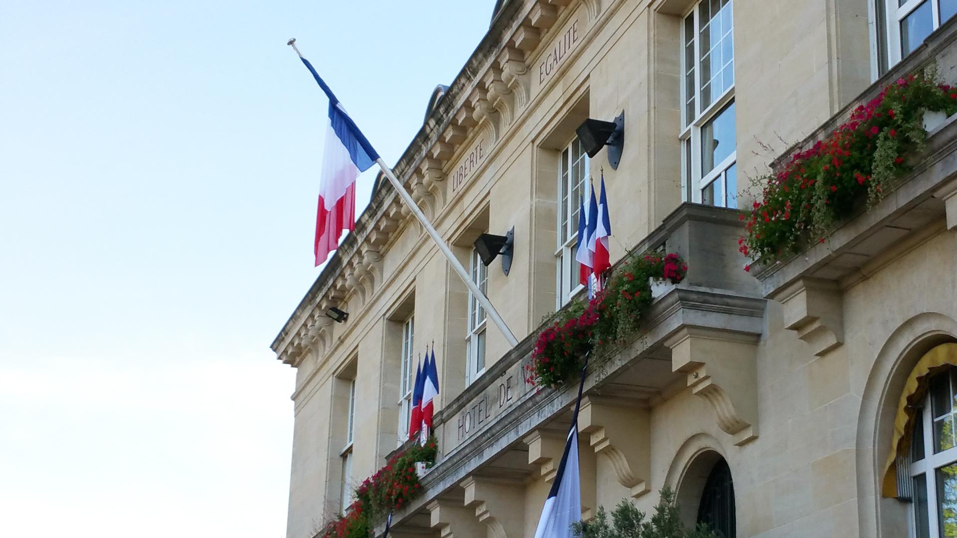 Attentat de Nice une minute de silence observée demain à 12h devant  ~ Ferme Du Vieux Pays Aulnay Sous Bois