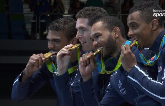 L'épéiste aulnaysien Jean-Michel Lucenay (à droite) a remporté l'or olympique ce dimanche. | © Francetvsport