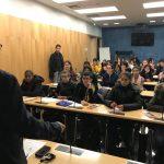Le député Alain Ramadier reçoit des collégiens aulnaysiens et taïwanais à l'Assemblée