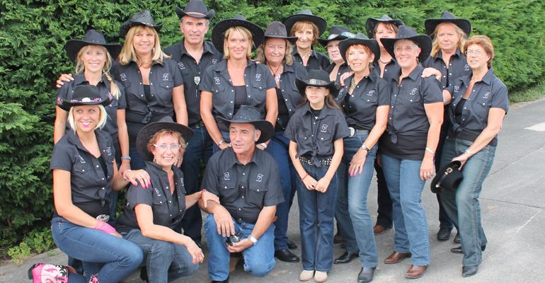 En pleine expansion, la danse country fait un tabac depuis la rentrée à Aulnay-sous-Bois. Surprise: les hommes s'y mettent de plus en plus ! | (C) Aulnay country line dance