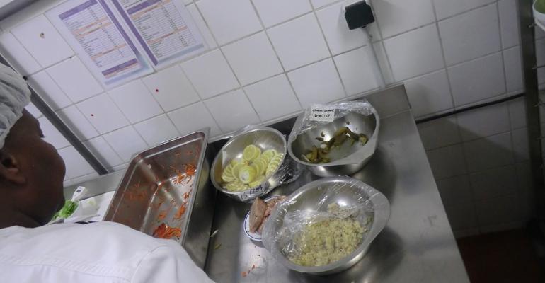 Au retour des vacances, 93600INFOS vous proposera un article en immersion au coeur de la cuisine du lycée Jean Zay d'Aulnay-sous-Bois. | (C) 93600INFOS / Alexandre Conan