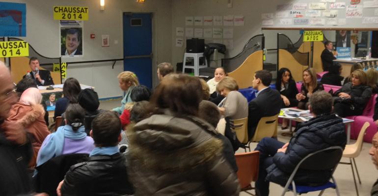 Une cinquantaine de personnes assistent en général aux réunions publiques du candidat UDI aux municipales 2014.   (C) Aulnaycap !
