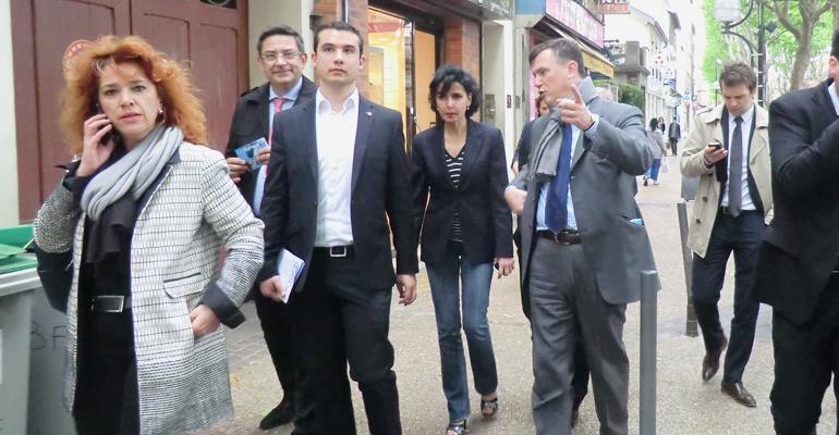 Le Maire d'Aulnay-sous-Bois a fait visiter la principale artère commerciale du département aux candidats UMP. | (C) 93600INFOS/Alexandre Conan