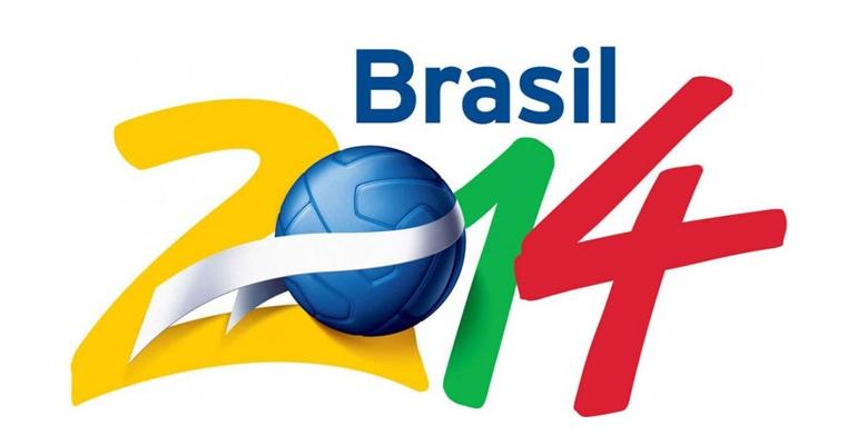 Entre amis, devant une pizza, mais aussi avec une bière à la main, ou tout simplement dans son salon, une chose est sure: la coupe du monde se vit en musique !   (C) FIFA