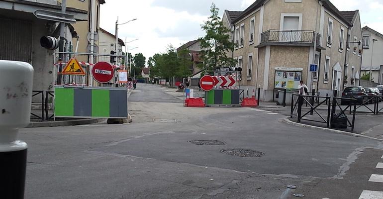 Sur le premier chantier de la rue Arthur Chevalier, la chaussée est presque terminée depuis la mi-mai.   (C) 93600INFOS / Alexandre Conan