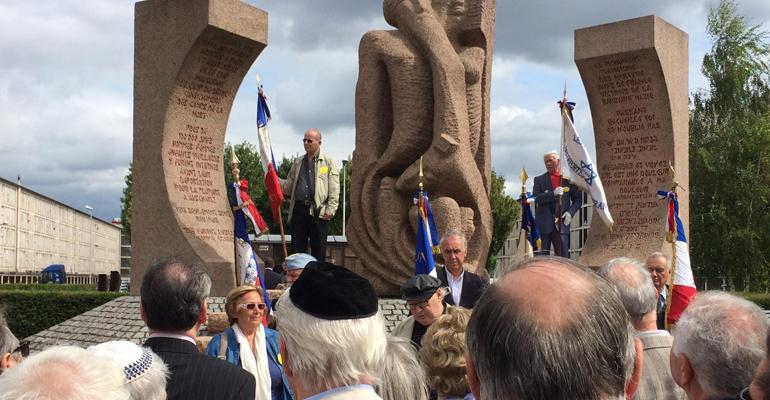 Le maire Bruno Beschizza était représenté, ce dimanche, par son adjoint Stéphane Fleury lors des commémorations de la libération du camp d'internement de Drancy.   (C) Stéphane Fleury