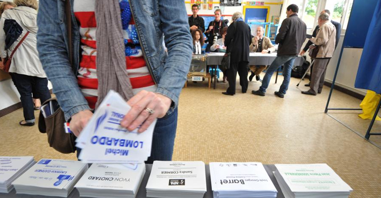 En 2015, les Français se rendront deux fois aux urnes pour élire de nouveaux élus. | (C) Frank Perry/AFP