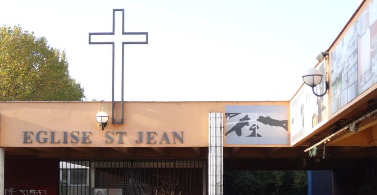 L'église Saint-Jean, qui se situe dans la galerie Surcouf, se trouve non loin de la cité de l'Europe. | (C) Paroisses d'Aulnay