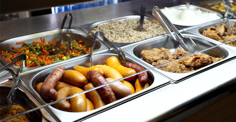 Près de 6500 repas sont services chaque jours par les Restaurants municipaux d'Aulnay-sous-Bois. | (C) Département des Yvelines