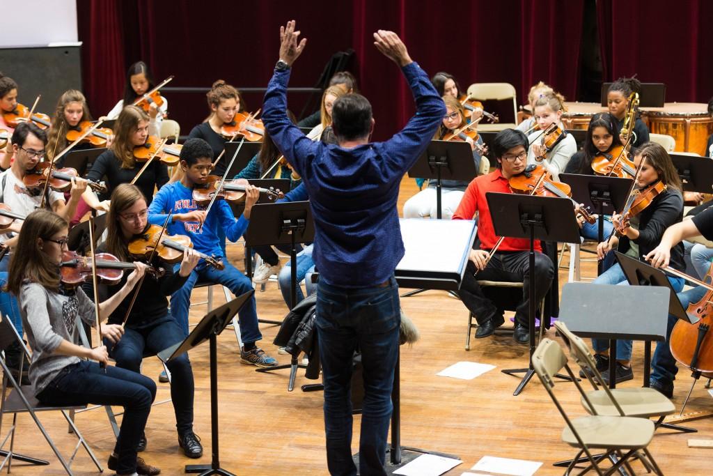 Cyril Guignier, chef de choeur de l'orchestre jeune du CRD d'Aulnay-sous-Bois. | © Alexandre Gallosi/Mairie d'Aulnay-sous-Bois
